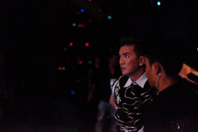 Live show Dam Vinh Hung: Mau me, diem dua va lam qua! hinh anh 3