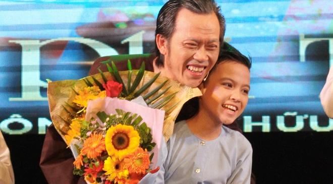 Hoai Linh nhan than dong cai luong mien Tay lam con nuoi hinh anh