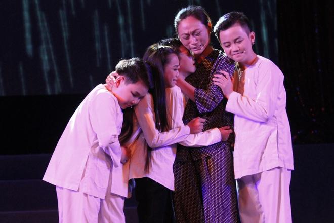 Hoai Linh nhan than dong cai luong mien Tay lam con nuoi hinh anh 7