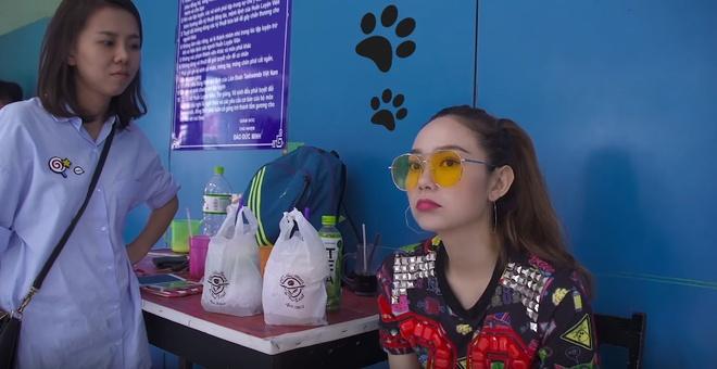 Minh Hang lan dau chia se hinh anh phong ngu rieng hinh anh 5