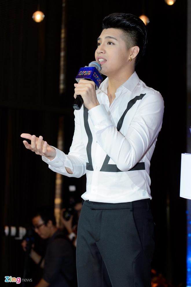 Noo Phuoc Thinh lam live show san van dong sau 8 nam ca hat hinh anh 4