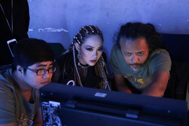 Minh Hang bi thuong tren phim truong quay MV anh 7