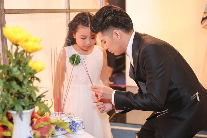 Ong Cao Thang hon Dong Nhi tai The Voice Kids anh 6
