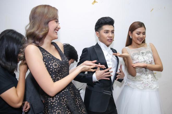 Ong Cao Thang hon Dong Nhi tai The Voice Kids anh 4