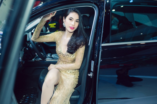 Thuy Tien, Dong Nhi dien voi jumpsuit goi cam hinh anh 3