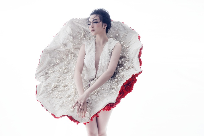 Thieu Bao Trang ke chuyen bi phan boi qua sang tac moi hinh anh 2