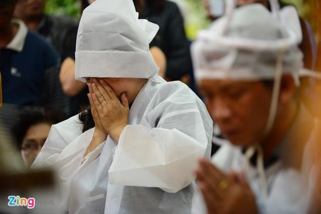 NS Thoai My, Thanh Loc khoc khi den vieng sau nu Ut Bach Lan hinh anh 2
