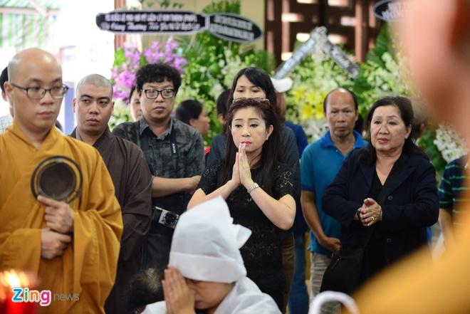 NS Thoai My, Thanh Loc khoc khi den vieng sau nu Ut Bach Lan hinh anh 3