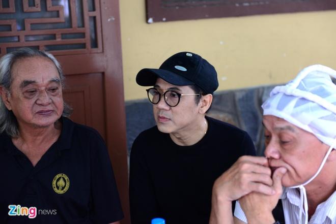 NS Thoai My, Thanh Loc khoc khi den vieng sau nu Ut Bach Lan hinh anh 6