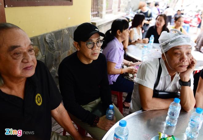 NS Thoai My, Thanh Loc khoc khi den vieng sau nu Ut Bach Lan hinh anh 7