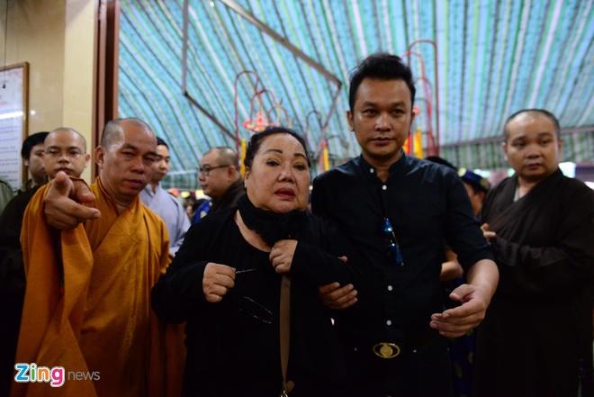 NSND Kim Cuong, Vu Linh khoc luc dua tien sau nu Ut Bach Lan hinh anh 1
