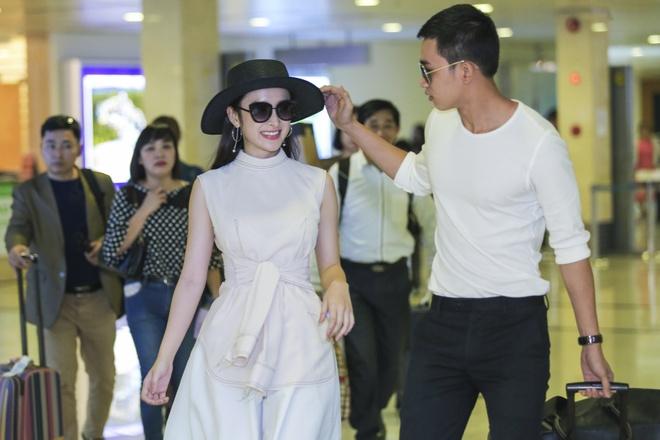Angela Phuong Trinh than mat voi ban trai Vo Canh o san bay hinh anh 2