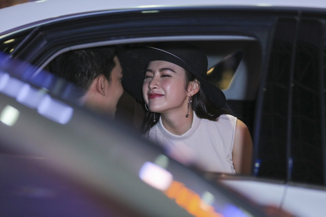 Angela Phuong Trinh than mat voi ban trai Vo Canh o san bay hinh anh 8