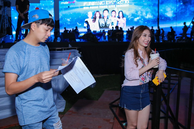 Khong Tu Quynh theo Ngo Kien Huy toi buoi tap live show Noo hinh anh 3