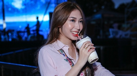 Khong Tu Quynh theo Ngo Kien Huy toi buoi tap live show Noo hinh anh