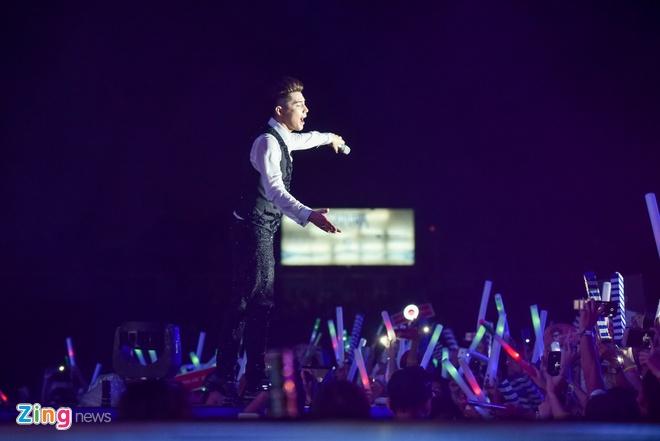 Ho Ngoc Ha di sieu xe len san khau live show Noo Phuoc Thinh hinh anh 12