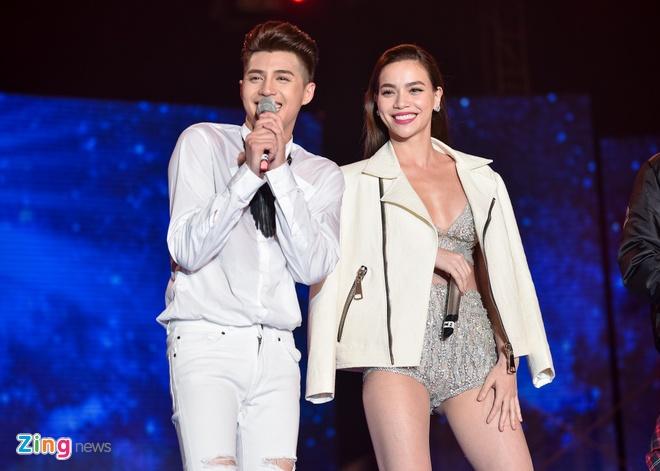 Ho Ngoc Ha di sieu xe len san khau live show Noo Phuoc Thinh hinh anh 4