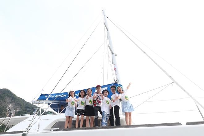 Team Noo Phuoc Thinh di du thuyen 5 sao kham pha vinh Phuket anh 1