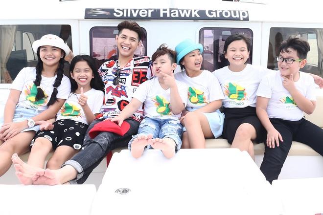 Team Noo Phuoc Thinh di du thuyen 5 sao kham pha vinh Phuket anh 2