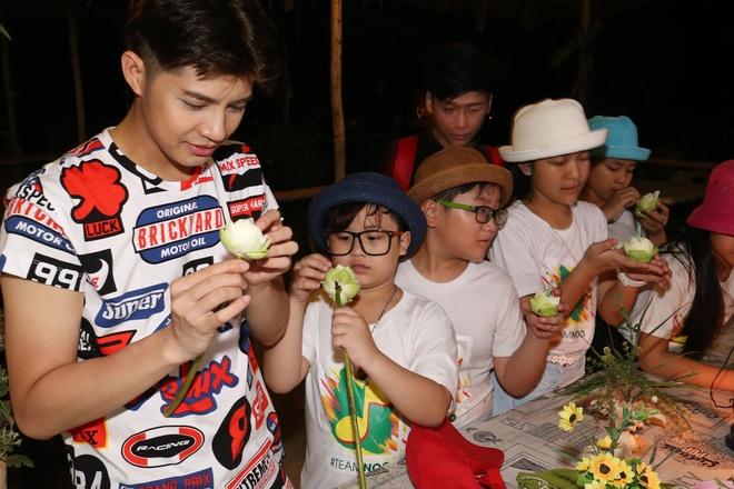 Team Noo Phuoc Thinh di du thuyen 5 sao kham pha vinh Phuket anh 8