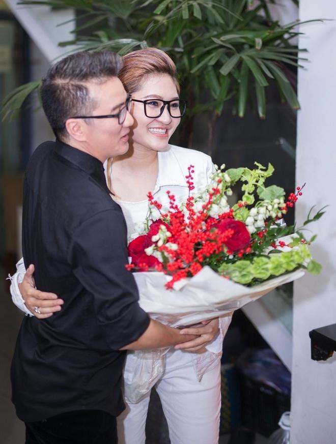 Dam Vinh Hung chuc mung minishow Vicky Nhung anh 1