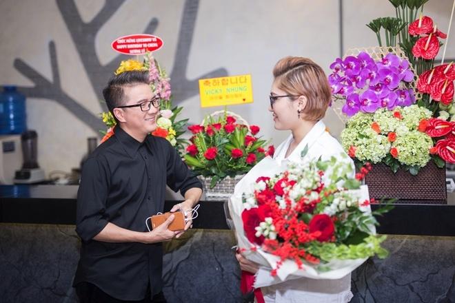 Dam Vinh Hung chuc mung minishow Vicky Nhung anh 3