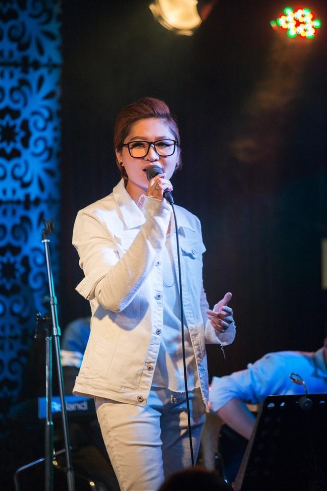 Dam Vinh Hung chuc mung minishow Vicky Nhung anh 4
