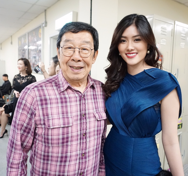 Huynh Tien xinh dep ben canh dan sao TVB anh 2