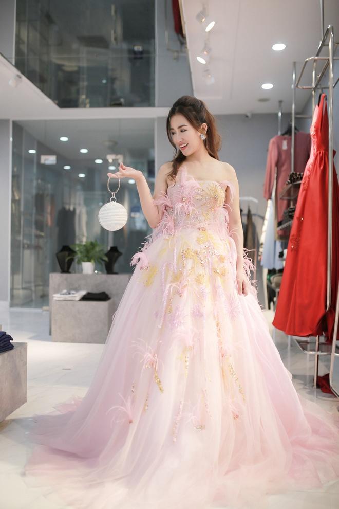 Trang Moon xinh dep truoc gio sang Han tham du le trao giai hinh anh 4