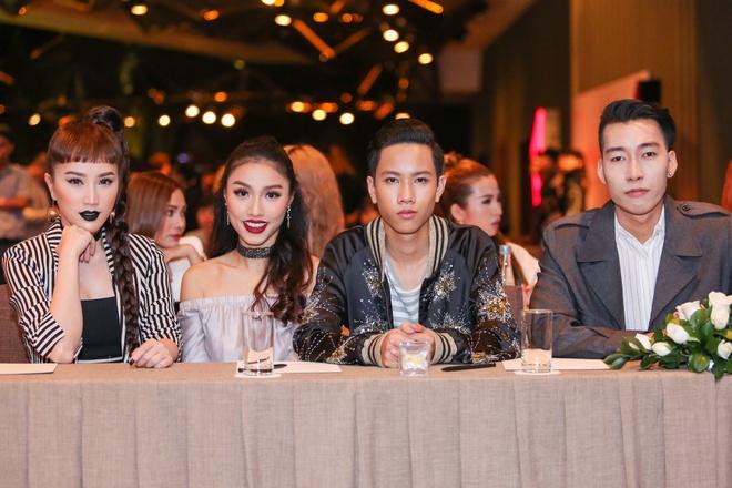 Huong Giang Idol dien quan ong cao ong thap giong Son Tung hinh anh 5