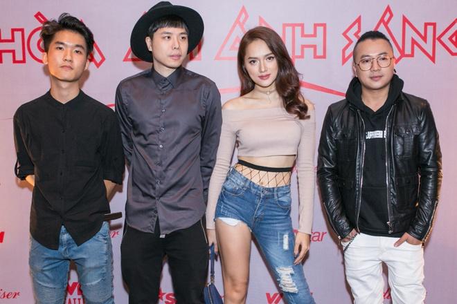 Huong Giang Idol dien quan ong cao ong thap giong Son Tung hinh anh 3
