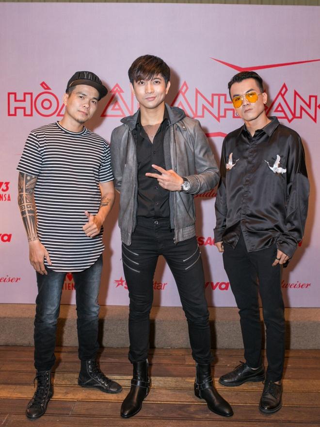 Huong Giang Idol dien quan ong cao ong thap giong Son Tung hinh anh 10