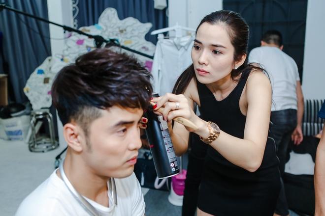 Ung Hoang Phuc duoc Kim Cuong an can cham soc anh 1