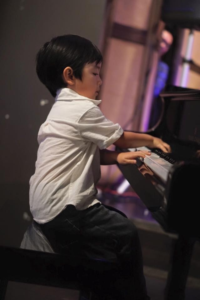'Than dong piano' 5 tuoi goc Viet lan dau ve nuoc bieu dien hinh anh 1