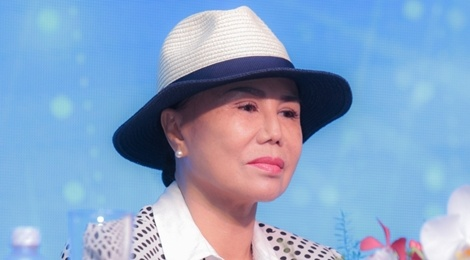 Ngoc Huyen vang mat trong live show cua me chong Thanh Tuyen hinh anh
