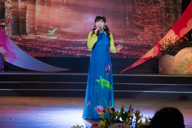 Ho Quynh Huong hat hit cu tai Thay loi muon noi anh 6