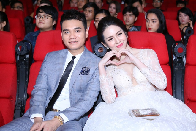 Khac Viet phat hanh MV 'Ngay cuoi' du dang doc than hinh anh 2