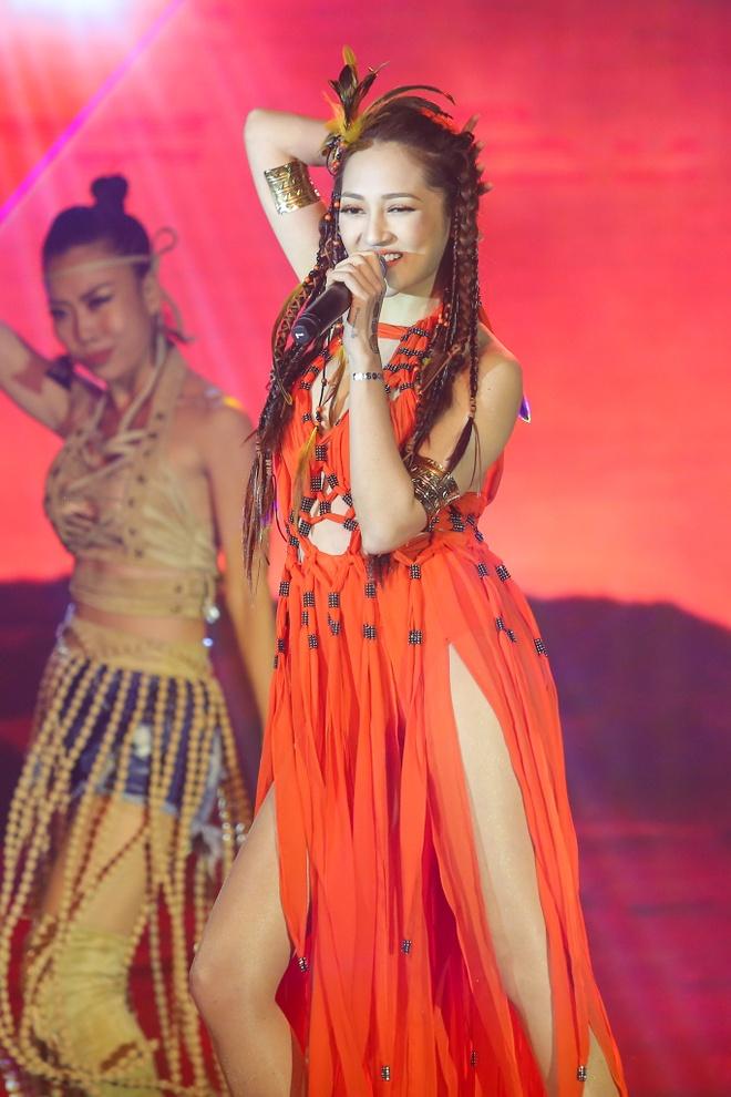 Van Son vuot Truong Giang, Hoai Linh duoc vinh danh hinh anh 8