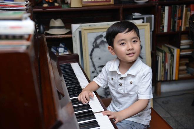 Than dong piano 5 tuoi Evan Le tham nha Trinh Cong Son hinh anh 7
