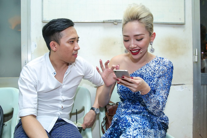Tran Thanh chay show cho Chi Tai sat ngay cuoi anh 2