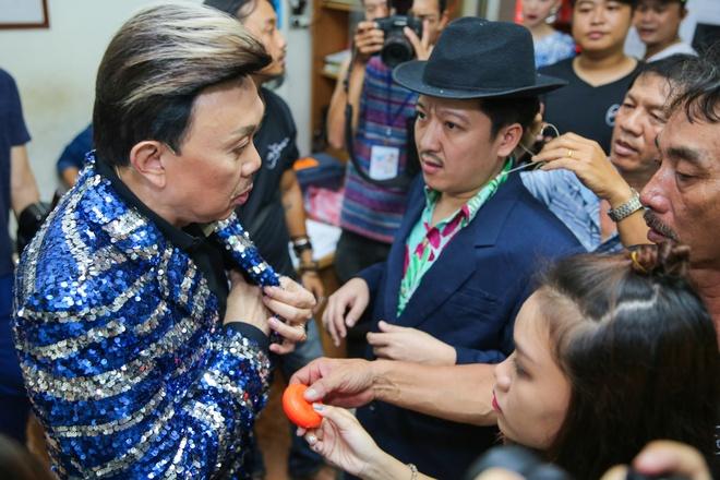 Tran Thanh chay show cho Chi Tai sat ngay cuoi anh 8