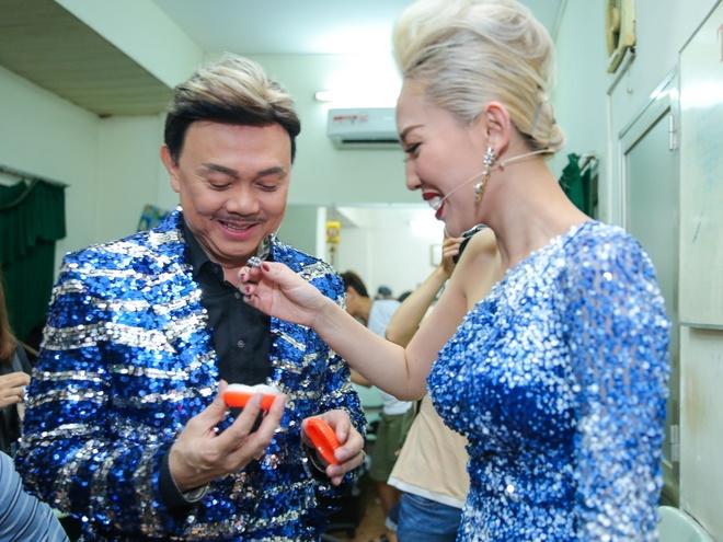 Tran Thanh chay show cho Chi Tai sat ngay cuoi anh 9