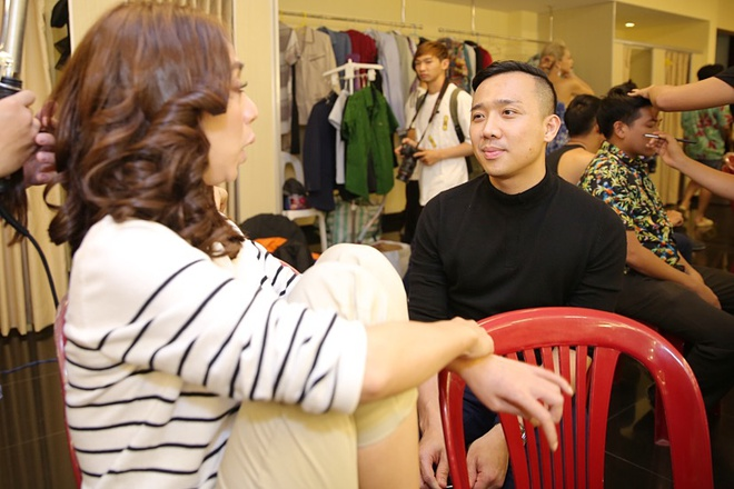 Tran Thanh chay show truoc ngay cuoi Hari Won anh 5