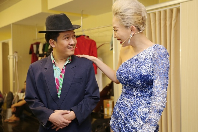 Tran Thanh chay show truoc ngay cuoi Hari Won anh 11