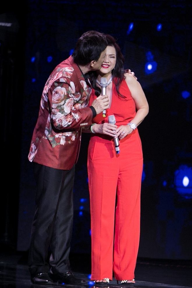 Vo Chi Tai ve nuoc tham gia live show cua chong anh 2