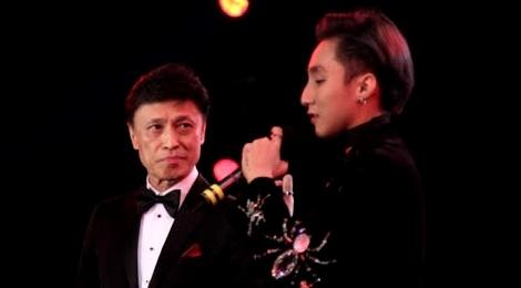 Tuan Ngoc - Son Tung gay tranh cai ve man song ca hinh anh
