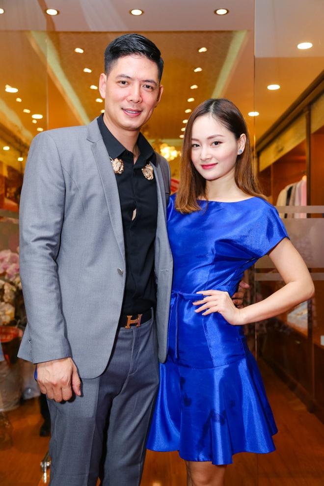 Binh Minh duoc Lan Phuong cham soc o su kien hinh anh 2