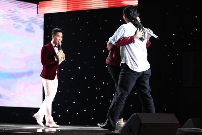 Hot boy 16 tuoi Sing My Song nhan mua loi khen van bi loai hinh anh 2