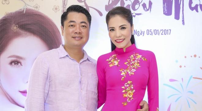 Kiwi Ngo Mai Trang duoc chong lam album mung 10 nam ket hon hinh anh