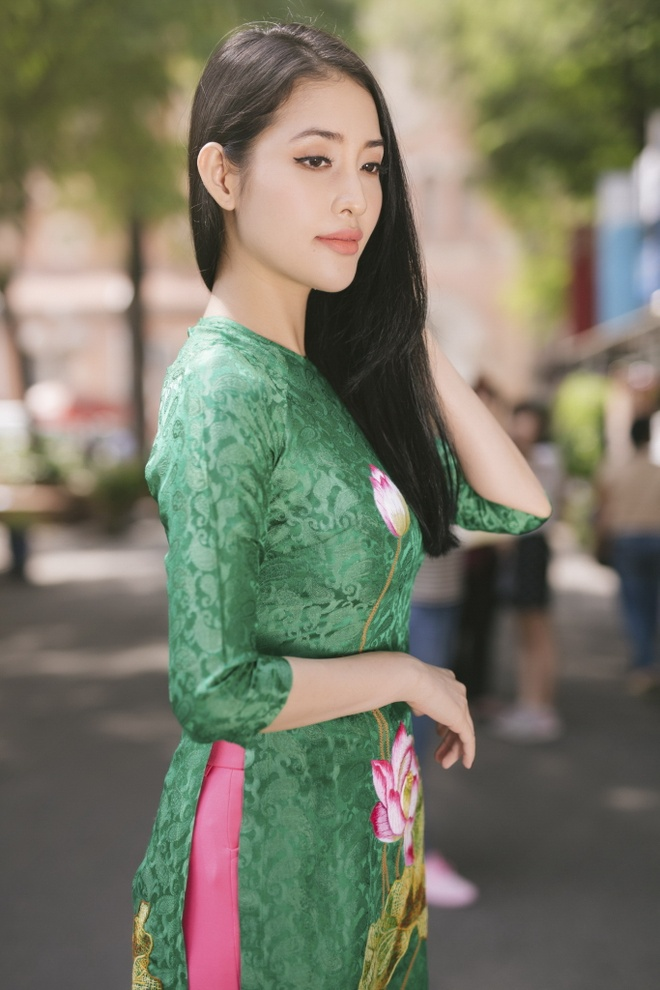 Chi em Mai Thu Huyen, Mai Ho dien ao dai xuan xuong pho hinh anh 3